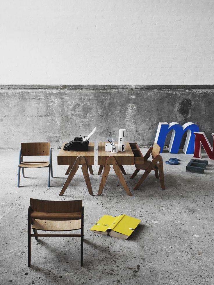 Geo's Table (for the little ones)A modern interpretation of an old school school desk