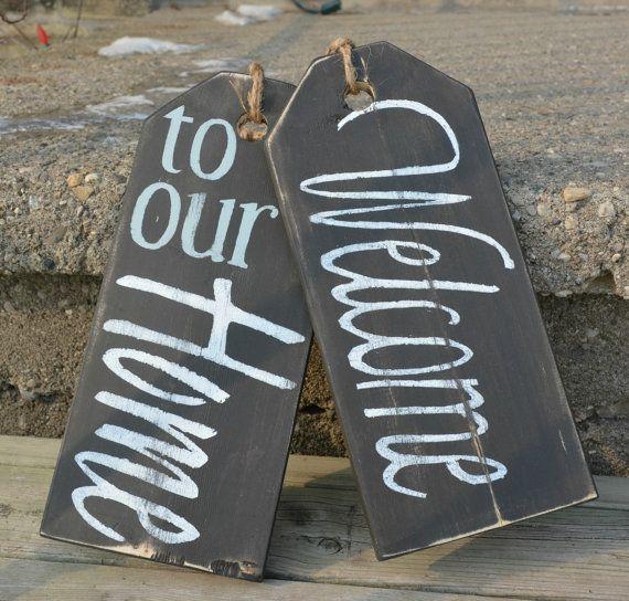 Front door sign.  Hand painted distressed by MoonenDavisdeSIGN
