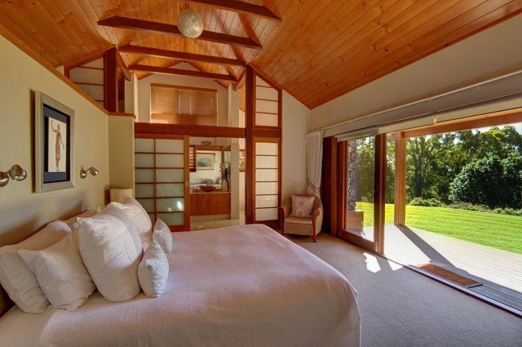 Ruffles Lodge - Executive Suite Bedroom - Romantic Getaways Gold Coast