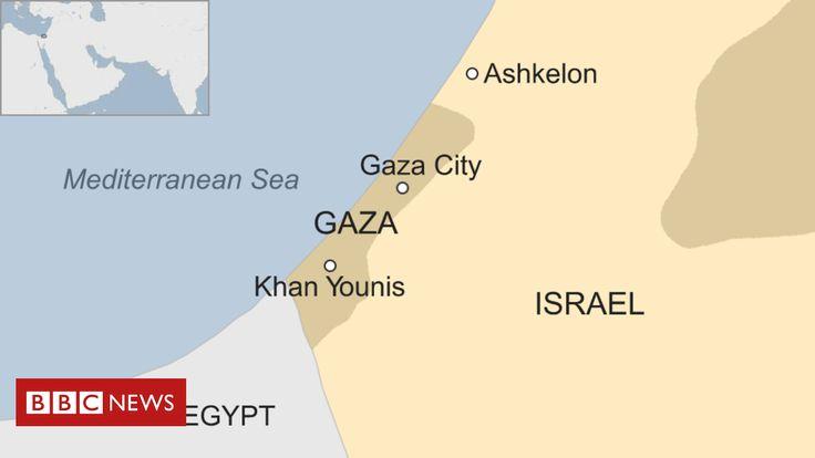 Israel Gaza: Four Israeli soldiers injured in border blast - BBC News
