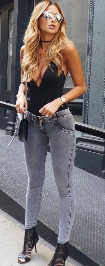 Grey skinny pants black top
