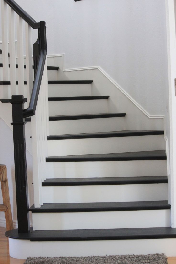 Lighting Basement Washroom Stairs: Painted Staircase Black ... May Need A Runner?!@@#!