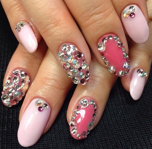 Best 25+ Pink bling nails ideas on Pinterest | Nail ...
