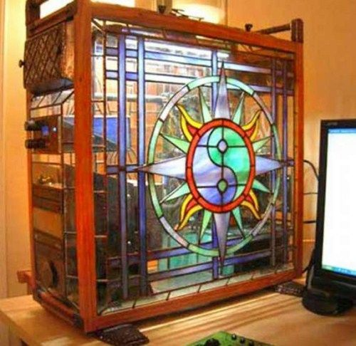 Cool custom computer case... Oh, Yes!  Must make one like this some day.  Super-cool!