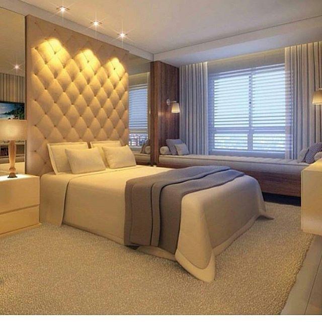 Inspiração... Favorita Móveis Planejados CG 67 3028.6162 casamodelo@terra.com.br #inspiração #projeto #iluminação #textura #cor #detalhes #madeira #dicas #house #quartos #cabeceira #cama #espelho #tapetes #poltronas #painel #Favorita #favoritaPlanejados