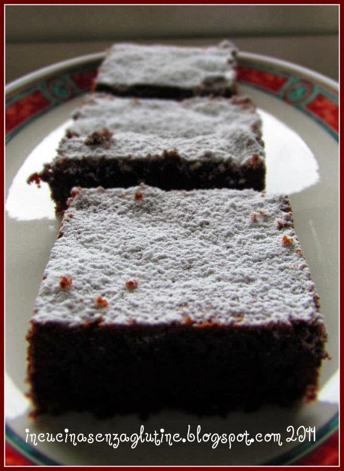 In cucina senza glutine: ricette e cucina per celiaci: quadrotti di muddy chocolate cake