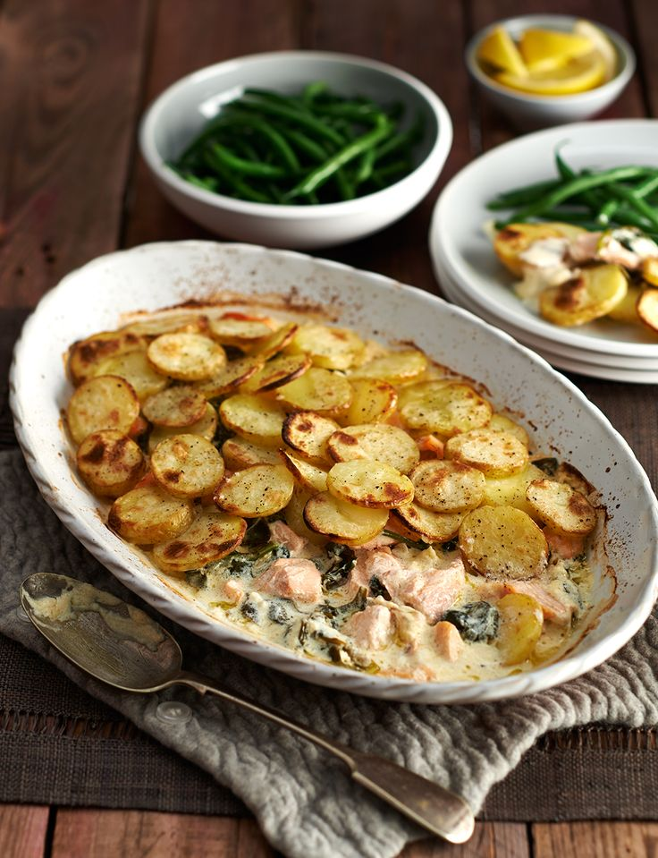 Salmon, spinach and crème fraîche bake for all the family