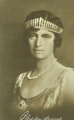 Queen Alexandrine of Denmark with diamond fringe tiara #RoyalTiara