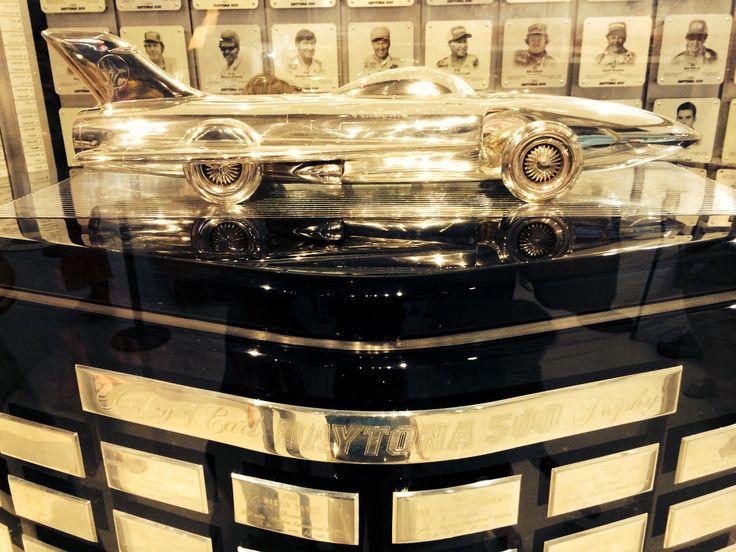 Daytona 500 trophy designed by Harley Earl Design, Real