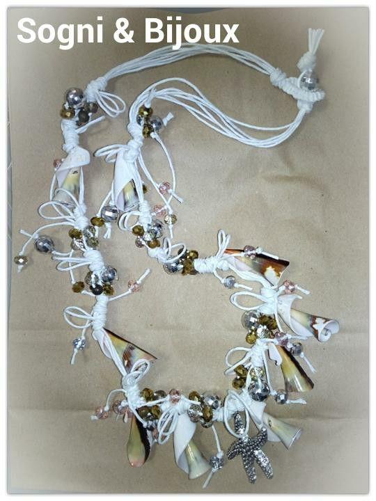 Collana in cordino di cotone, conchiglie e cipollotti in cristallo @sogniebijoux #conchiglie #collanaestiva #neklace #mare #vacanze #handmade #artigianato #ceriale