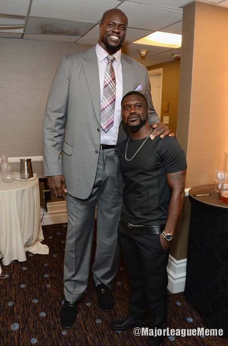 Shaquille O'Neal and Kevin Hart face swap is too perfect. - Imgur