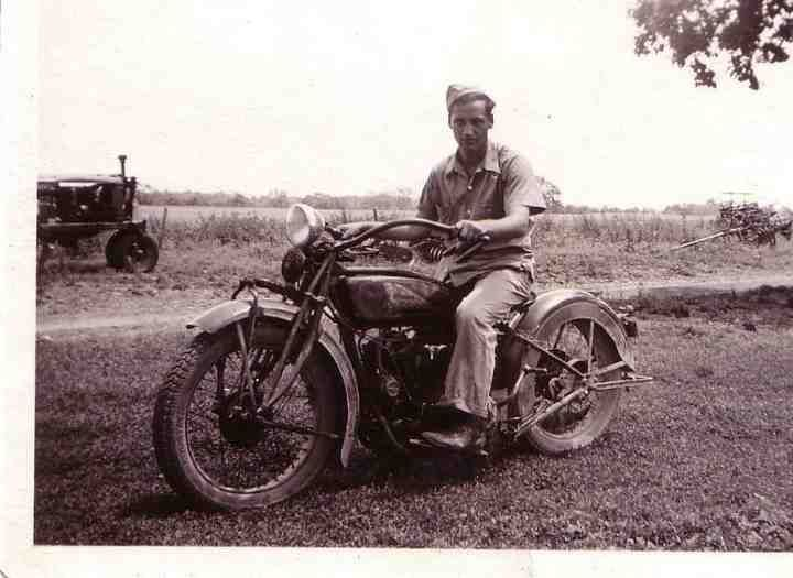 1942 Indian Chief Motorcycle  Grandpa's Indian Chief Motorcycle (from the wayback machine)