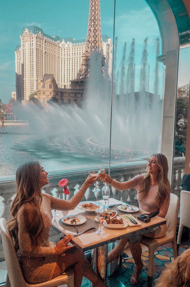 Das beste Restaurant mit Blick auf den Lago in Las Vegas – Stolpern mit My Bff