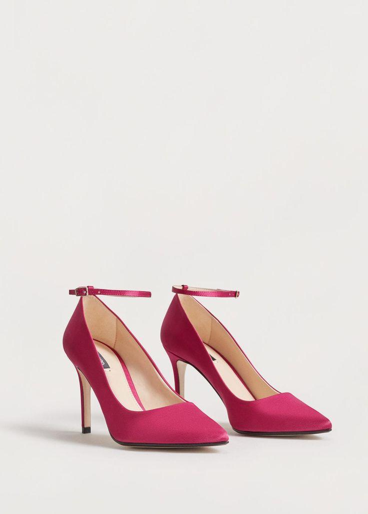 http://shop.mango.com/CZ/p0/zena/doplnky/obuv/obuv-na-podpatku/boty-do-spicky-na-reminek?id=83055612_88&n=1&s=accesorios.zapatos