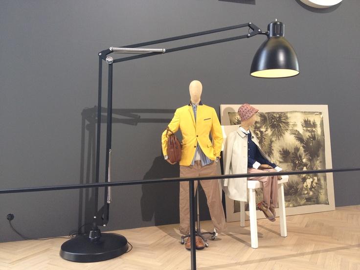 GIANT LAMP B
