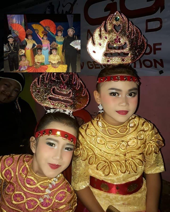 Baju Tari Kreasi Kalimantan - Rachna Sandika
