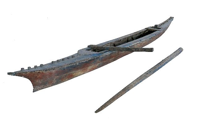 Topic: Va'aalo - a Samoan fishing canoe | Collections Online - Museum of New Zealand Te Papa Tongarewa