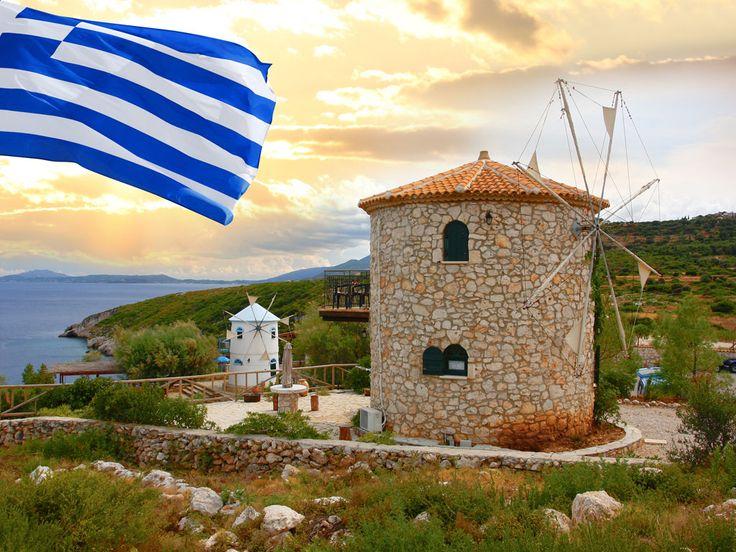 Традиционная ветряная мельница в Греции, остров Закинф