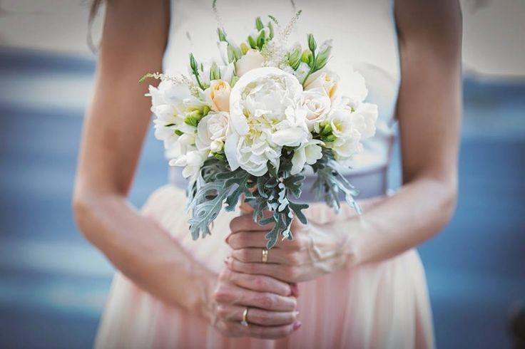 Dicas para secar e preservar o ramo de noiva  Leia mais em: http://www.casamentosparasempre.pt/artigos/dicas-para-secar-e-preservar-o-ramo-de-noiva-0076  #casamentosparasempre #dicasparasecaroramodenoiva