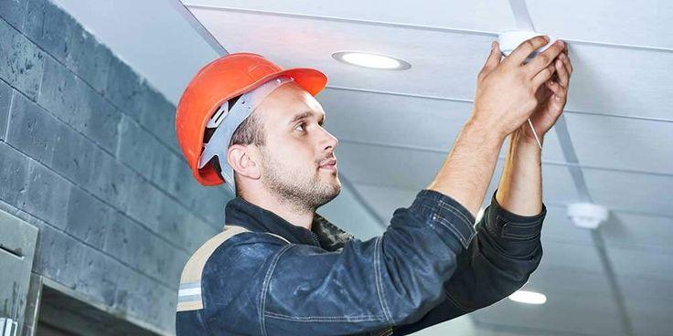 Tarif de pose d'un détecteur de fumée : http://www.maisonentravaux.fr/electricite/installation-electrique/tarif-pose-detecteur-fumee/