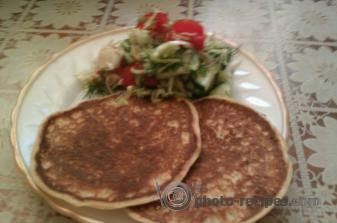 "Пышные кабачковые блинчики ""Детские"" http://photo-recipes.com/recipe/kabachkovye-blinchiki-detskie #оладьи #кабачки #лето"