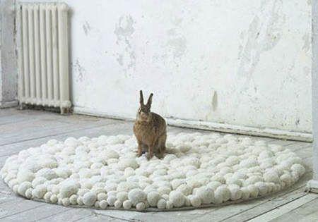 Es tendencia en decoración: alfombras de pompones - El Blog de Due-Home | El Blog de Due-Home