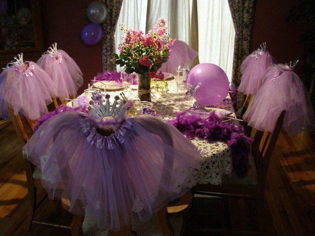 Table and tutus at a Princess Party #princessparty #decor