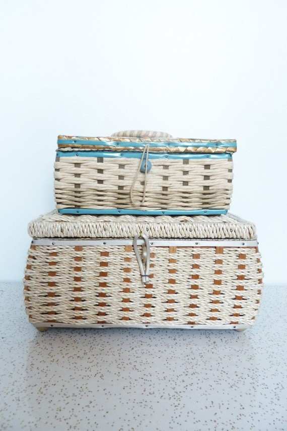 In love with these 50s sewing baskets