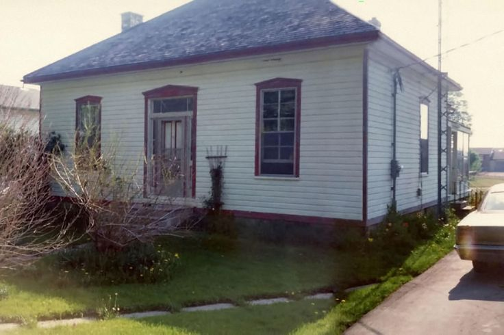 "Original house is a ""Regency"" style cottage built in 1892."