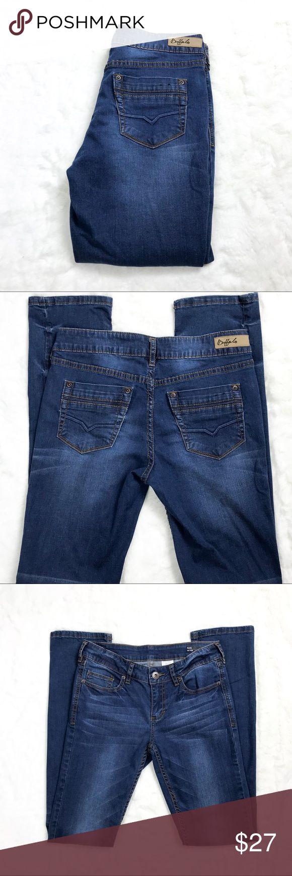 """Women's Buffalo David Faye Mid Rise Jeans Size 27 Women's Buffalo David Bitton Faye Mid Rise Stretch Straight Jeans Size 27  Condition: Excellent!  Measurements:  Size: 27 Waist: 28"""" Front Rise: 8"""" Inseam: 32"""" Buffalo David Bitton Jeans Straight Leg"""