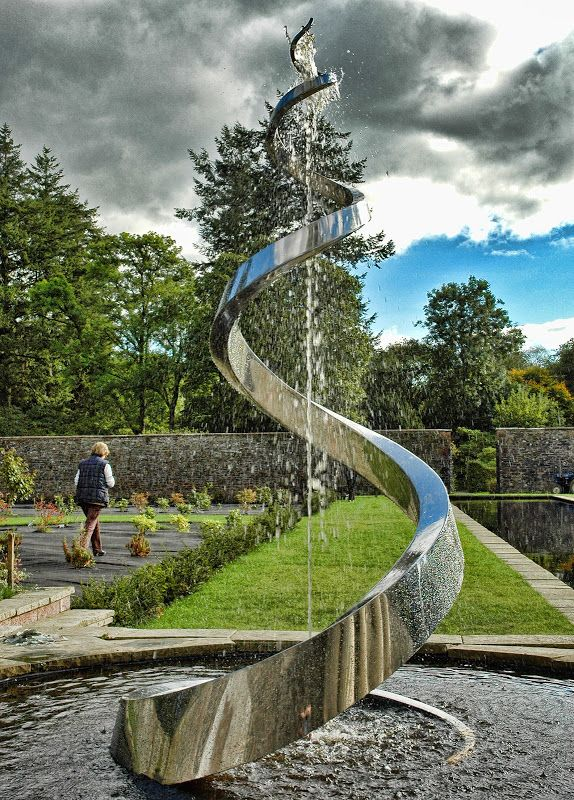 Water Sculpture by Giles Rayner