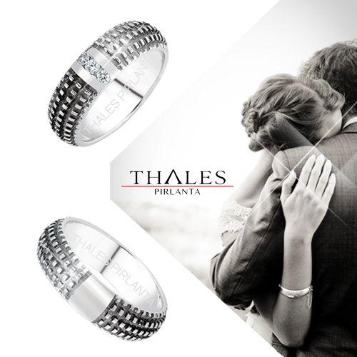 Beyaz altın alyansların en doğru adresi thales pırlanta, online satış mağazası ile alyans modellerini sizlere ulaştırıyor.  Detay için tıklayın =>> https://www.thalespirlanta.com/urun/siyah-boyali-beyaz-alyans  #alyans #beyaz_alyans #alyans_modelleri