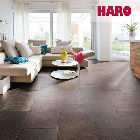 """Ciepła """"płytka"""", czy ciepły """"kamień"""" pod stopami? Z Celenio z firmy Haro jest to możliwe."""