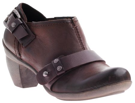 Whether you roam the countryside or the sidewalks you'll be the picture of style in this bootie.
