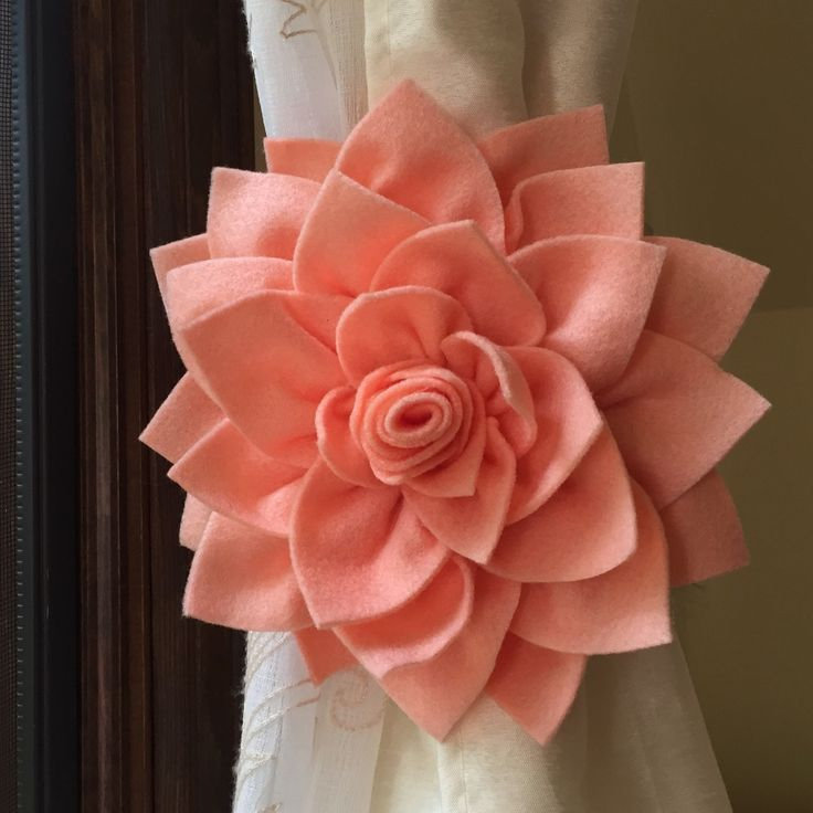 ONE Peach Dahlia Curtain Tieback Handmade 7 Flower Floral Wedding Decoration Baby Shower Gift Idea Home Nursery Room Holdback Decor