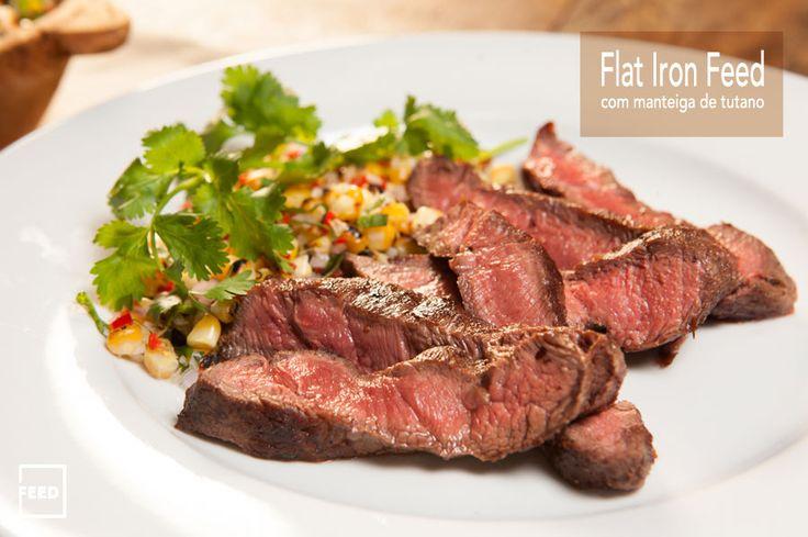 FLAT IRON FEED COM MANTEIGA DE TUTANO E SALADA DE MILHO GRELHADO - Esta receita é muito simples, o que faz dela especial é o corte de carne usado, o Flat Iron Feed, um dos cortes mais macios e suculento do boi que vai bem na grelha e na chapa, como feito aqui, com um banho de manteiga de tutano.  Saiba como preparar esta receita no link: http://www.feed.com.br/receitas/flat-iron-feed-com-manteiga-de-tutano-e-salada-de-milho-grelhado/