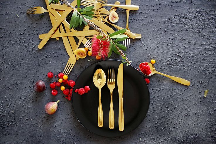 It's good if it's in gold | detailed shots of our beautiful cutlery & crockery