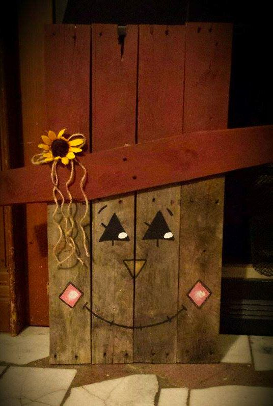 Cute Fall Primitive Scarecrow by TheWheelPrespective on Etsy