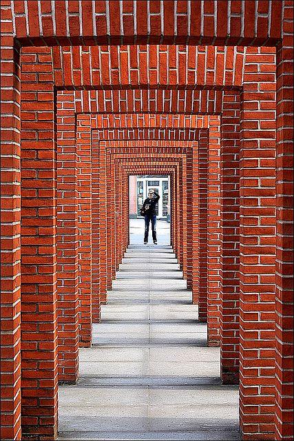Arches in front of the Deutsche Bibliothek, Frankfurt, Germany. Photo by Rupert Ganzer