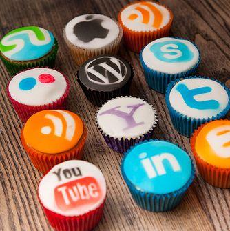 Social Media cupcakes yum