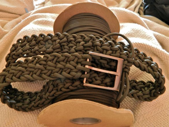 17 best images about paracord aka just knotty on for How to make a belt out of paracord