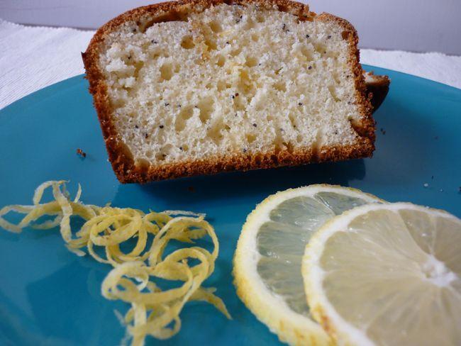 #ricette #bimby #Plumcake profumato al limone con semi di papavero http://www.amando.it/casa-cucina/ricette/bimby/plumcake-limone-semi-papavero.html
