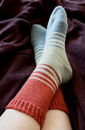 Tilson is a tri-colored sock pattern with an afterthought heel and some transitional stripes to keep things interesting. Not your typical vanilla sock, more like vanilla+.
