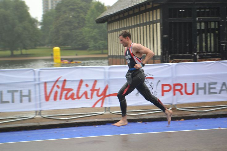 Richard Hamilton from Dumfries and Galloway #Scotland runs for team #GB World #Triathlon #London Sept 2013