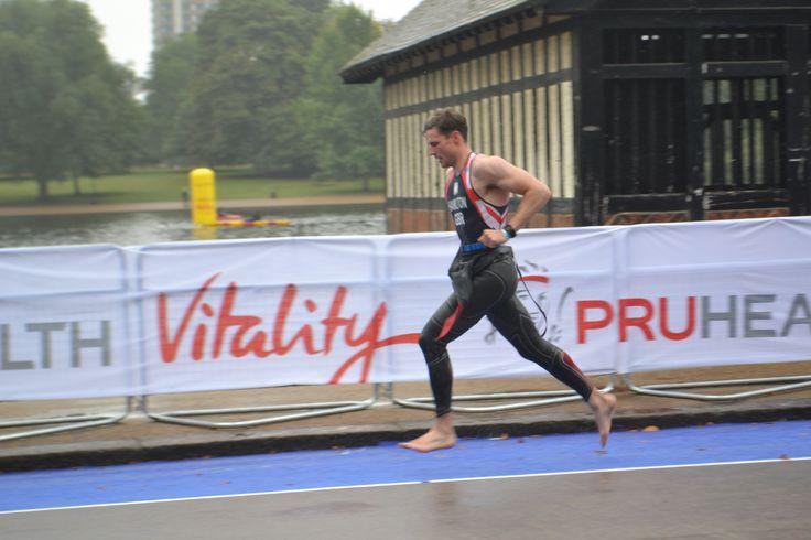 Richard Hamilton from Dumfries and Galloway #Scotland runs for team #GB World #Triathlon #London Sept 2013