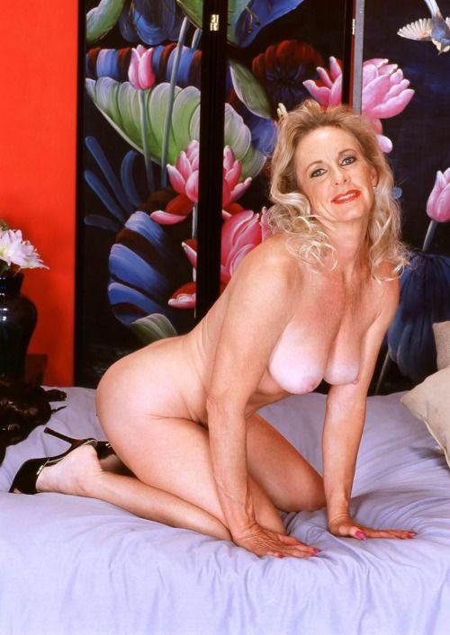Beautiful nude grandmothers