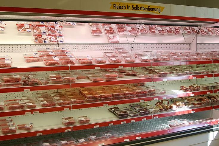 File:Fleischtheke-supermarkt.jpg