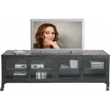 Un meuble TV au look industriel qui complètera parfaitement une décoration de style Loft ou dans un esprit brocante. Doté d'une grande étagère, il est très pratique. Meuble TV Factory Kare Design