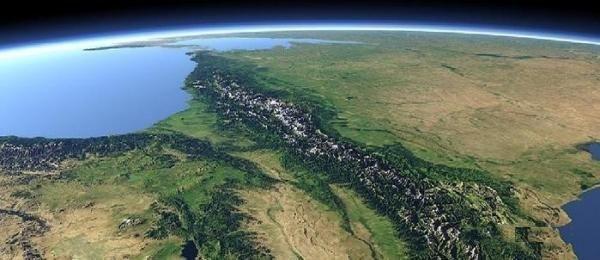 #интересное  Тайна араратской аномалии, гора Арарат (6 фото)   Эта аномалия представляет собой образование странной формы, расположенное на высоте около 4725 м над уровнем моря и имеющее около 183 м в длину. История «Аномалии Арарата» насчитывает не одно столетие. О�