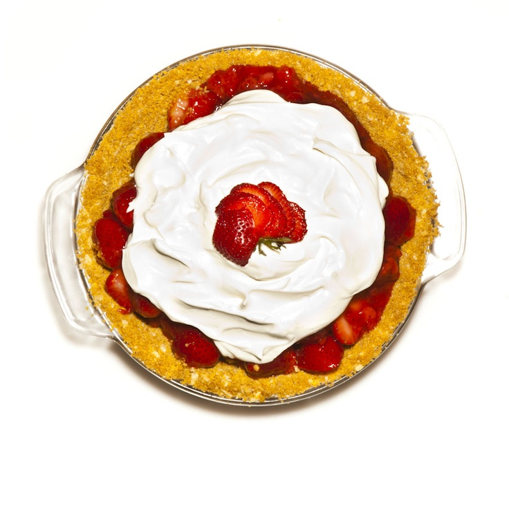Fresh Strawberry Pie with Almond Graham Cracker Crust and Whipped ...